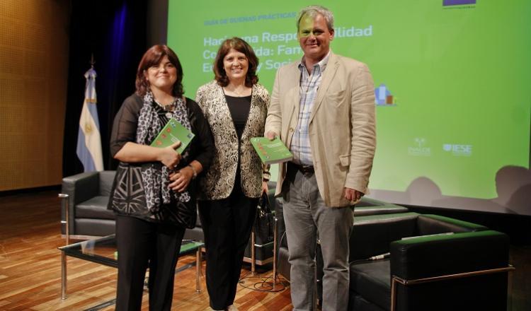 María Elena Ordóñez y Revuelta, Coordinadora de CONFyE; Patricia Debeljuh, Directora de CONFyE, y Rodolfo Q. Rivarola, Decano del IAE Business School