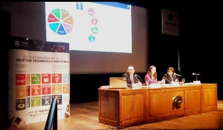"""Primer Panel """"Movilizando al sector privado"""""""