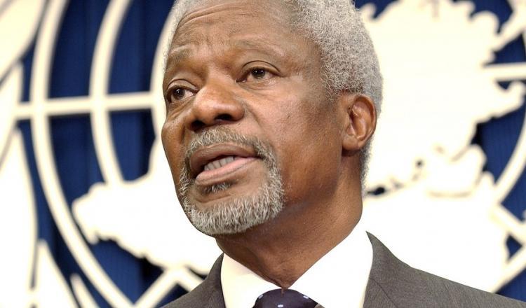 ONU/Evan Schneider Kofi Annan durante una conferencia de prensa en 20